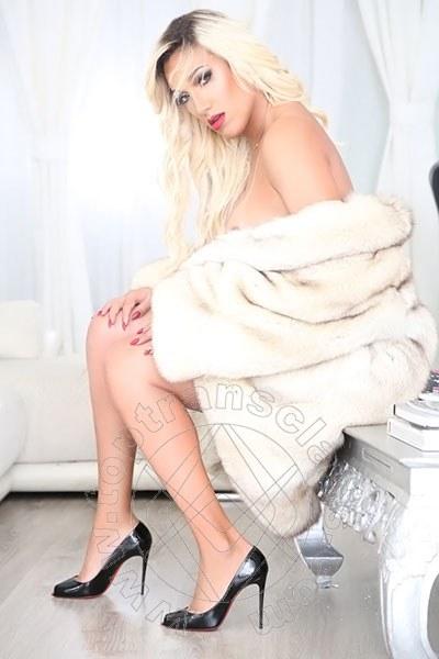 Penelope Hilton  LECCE 3290921595