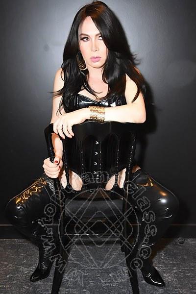 Angela Xxl  PARIGI 0033614372267